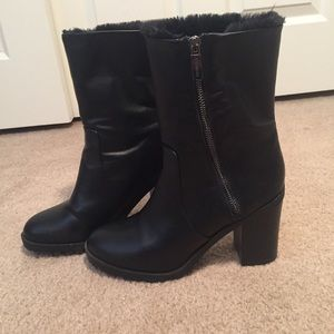 Fur-lined EXPRESS heeled boots